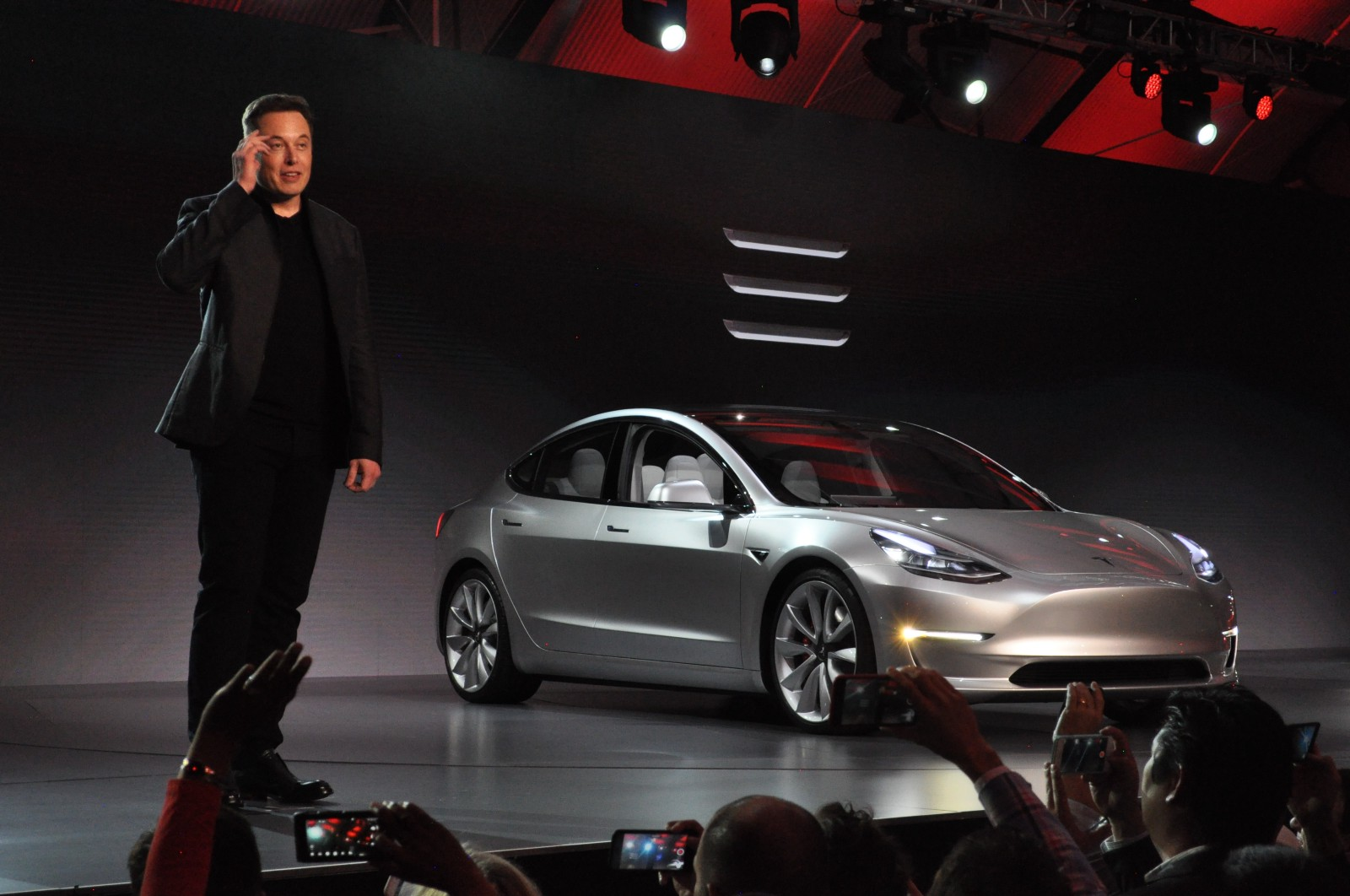 Tesla And Apple Find Themselves At The Bottom Of The Pile