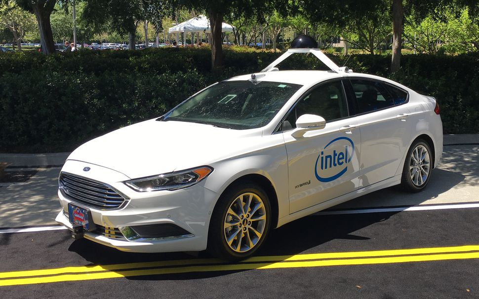 Intel Proposes A System to Make Self-Driving Cars Blameless In Accidents